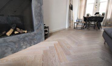 Monocoat olie behandelde visgraat vloer in Weesp