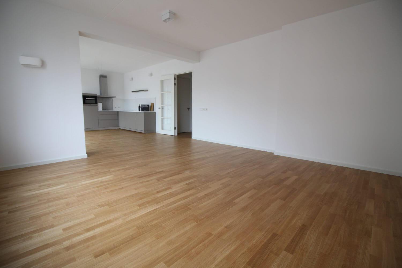 In een nieuwbouw appartement in Amsterdam ligt deze parketvloer op vloerverwarming. Een houten vloer op vloerverwarming zonder probleem.
