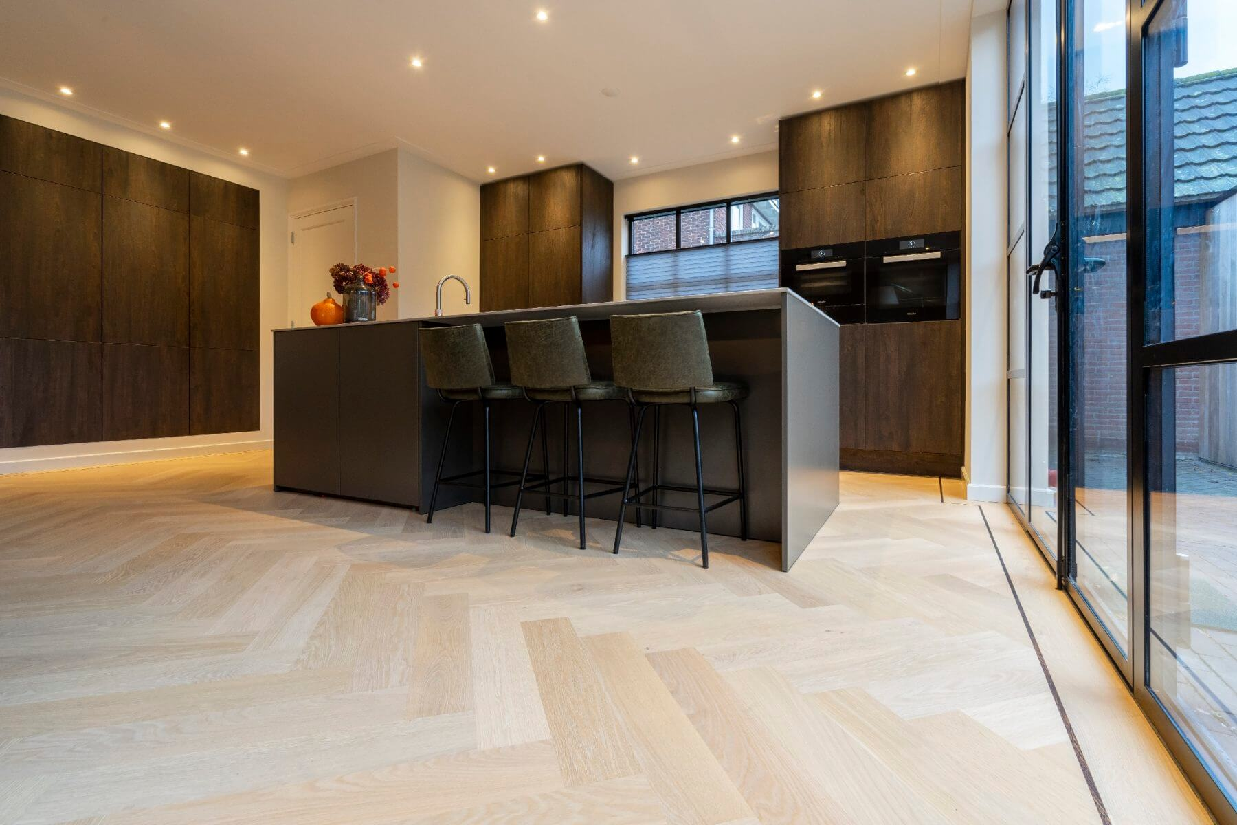 Eikenhouten Visgraat Vloer : Vloerenhuis amsterdam de parketspecialist sinds