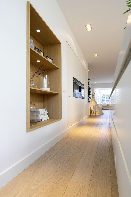 Inbouw keuken, ingebouwde wand , strak, tijdloos en overzichtelijk
