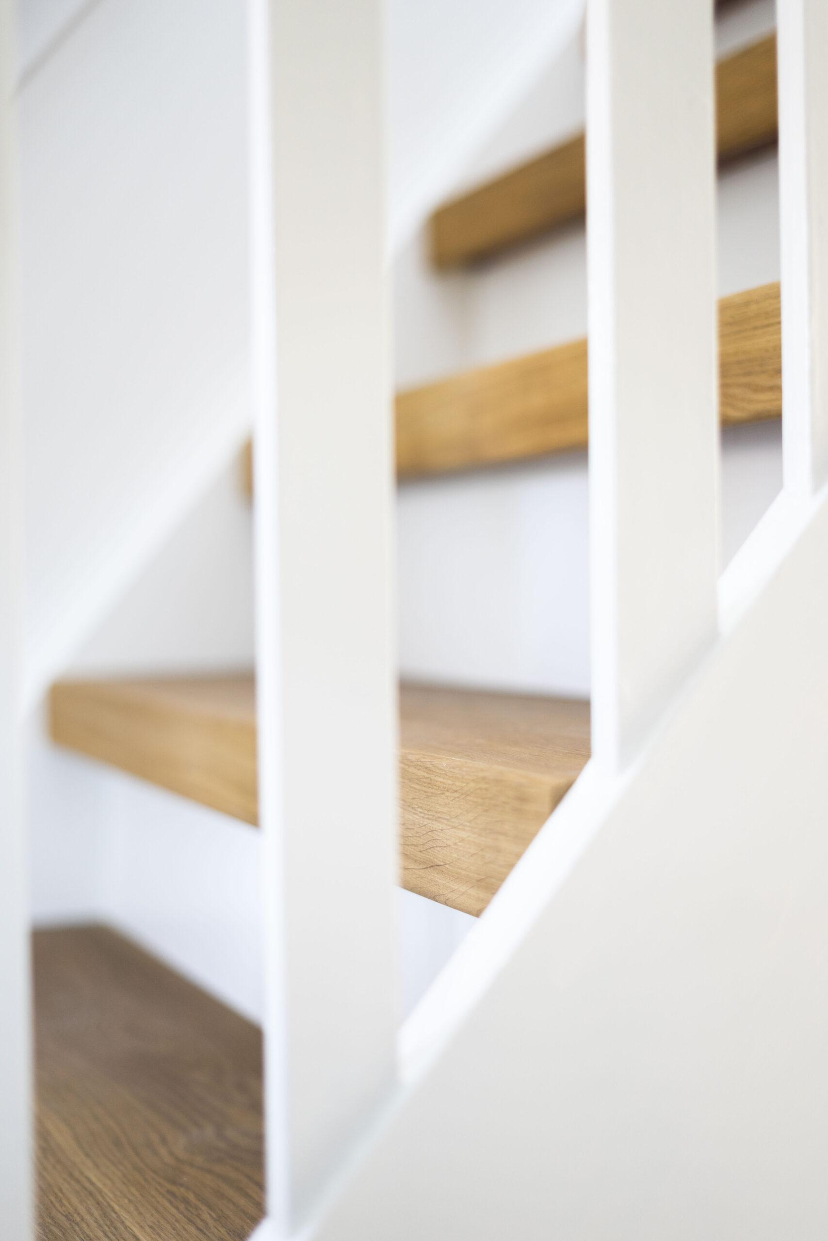 Houten trapbekleding gelegd in Putten door Vloerenhuis Amsterdam
