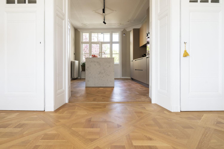 Frans Eiken Carreauxpaneel vloer in Amsterdam oud Zuid