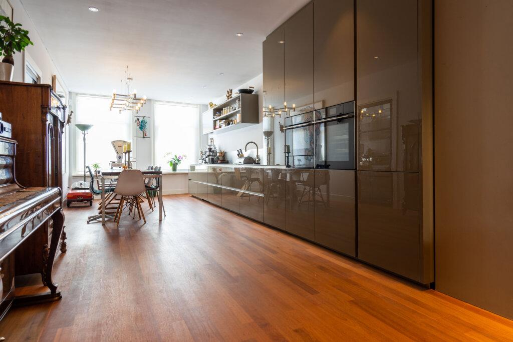 Modern en klassiek combineren in een Amsterdamse jaren 30 woning? Het is gelukt!